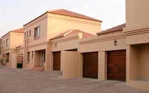 Complex House walls