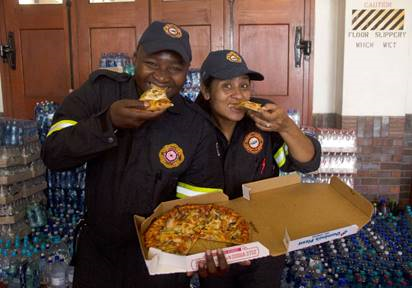Domino's Pizza donates Pizza to Cape Town Fire Fighters, Volunteers and Residents